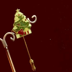 🔴2/$10 Enamel Christmas Tree Gold Tone Lapel Pin